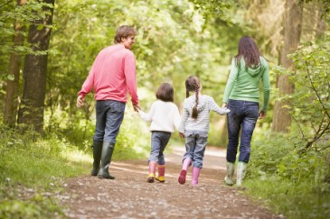 Tips for Learning Outside of School, Parents and two daughters hiking for quality time