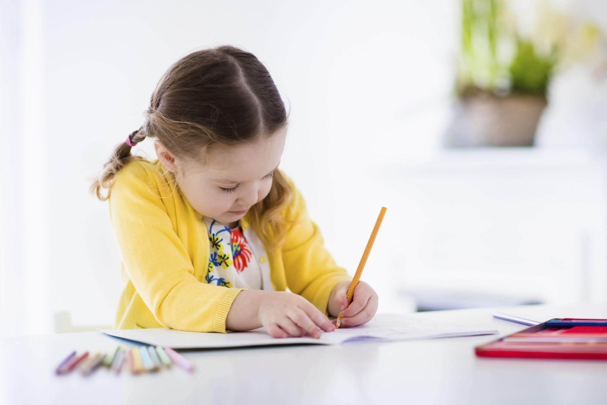 essay children learning use computers very early age The controversial early years foundation stage, which sets dozens of learning goals for children from their first year to the age of five, says that computers should be introduced from 22 months.