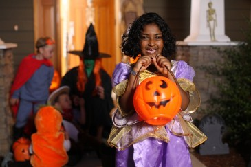 Halloween safety tip, kids trick or treating