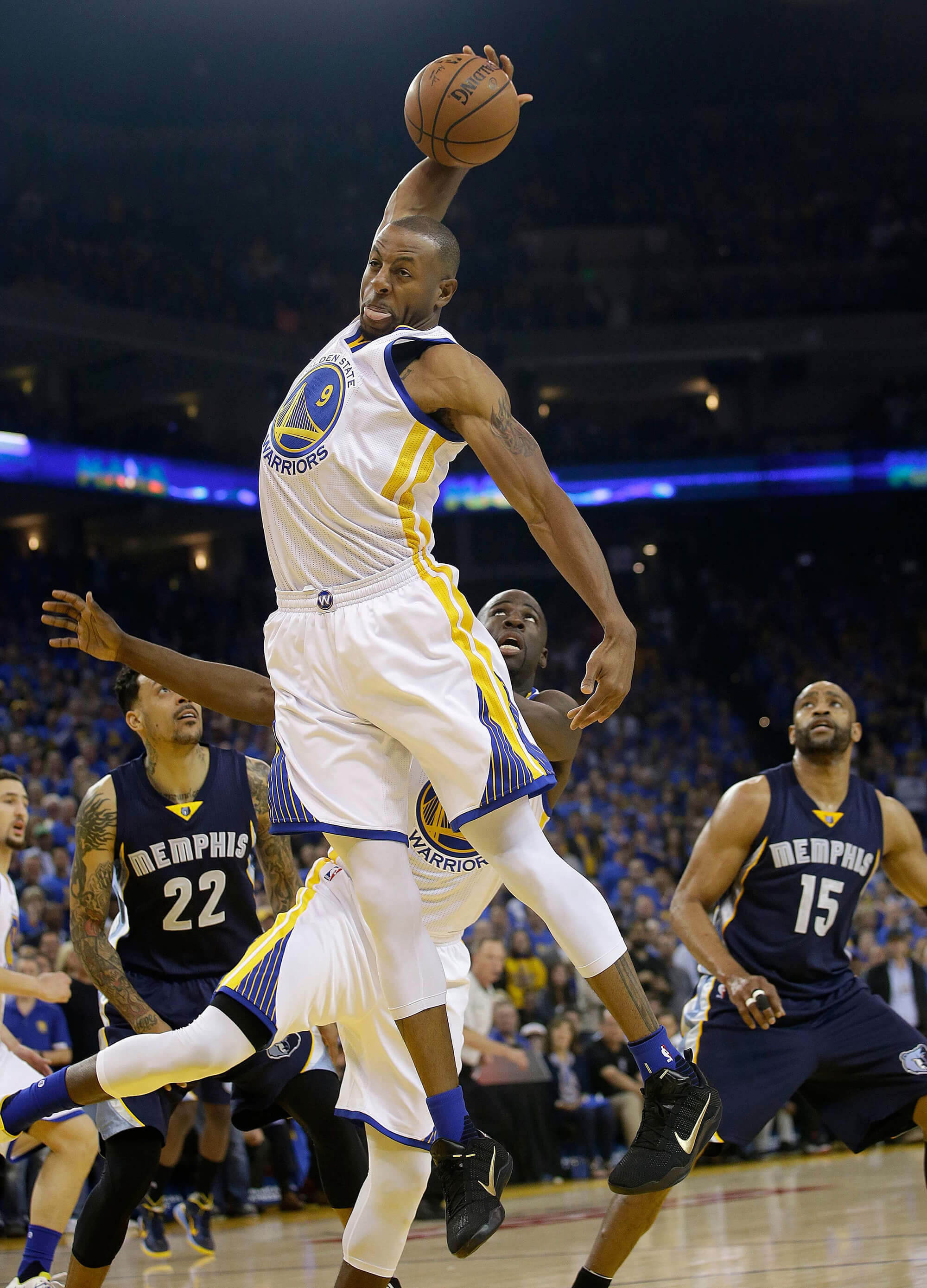 Iguodala of the Golden State Warriors dunking
