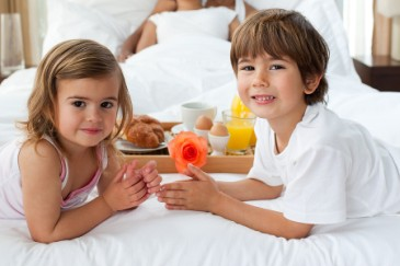 Thoughtful Mothers Day gift, young kids made mom breakfast in bed
