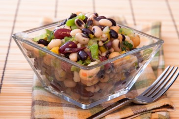Nut-free lunch ideas, mixed bean salad no nuts