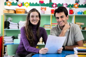 ADHD tips for parents, parent and teacher meet at school