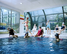 pregnant women at swimming pool