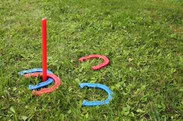rubber horseshoes game