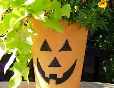 HalloweenPaintedFlowerPot