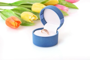 Mothers Day gift, jewelry box with ring and flowers