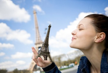 TravelingTeen,EiffelTower,Europe,Traveling