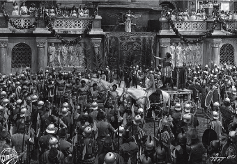 A shot from the 1919 Italian spectacle Theodora Empress of Byzantium.