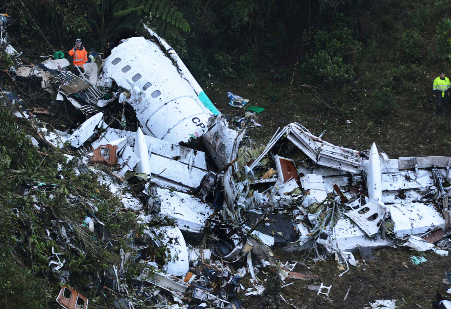 Image of crashed plane in Colombia