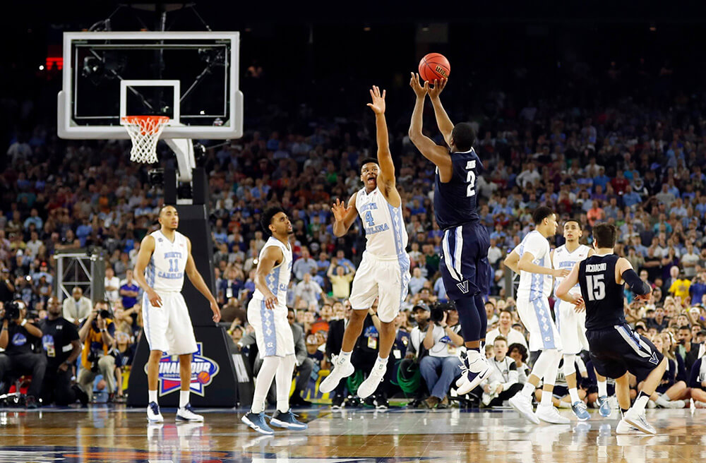 Kris Jenkins from Villanova makes the shot